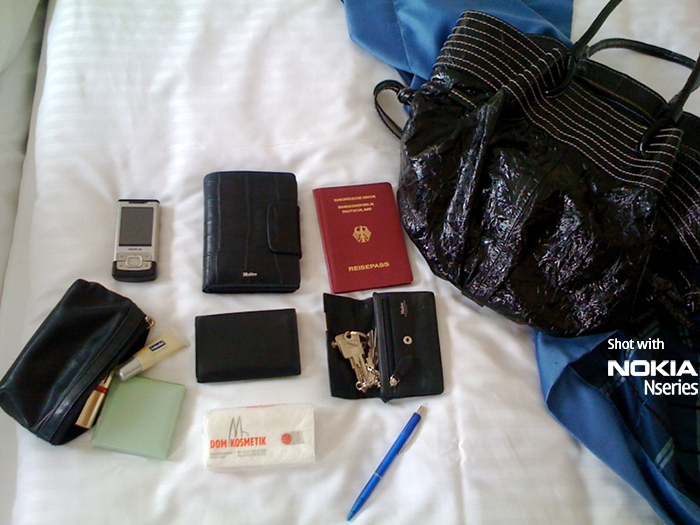Whats in your bag, Lale Akgün?