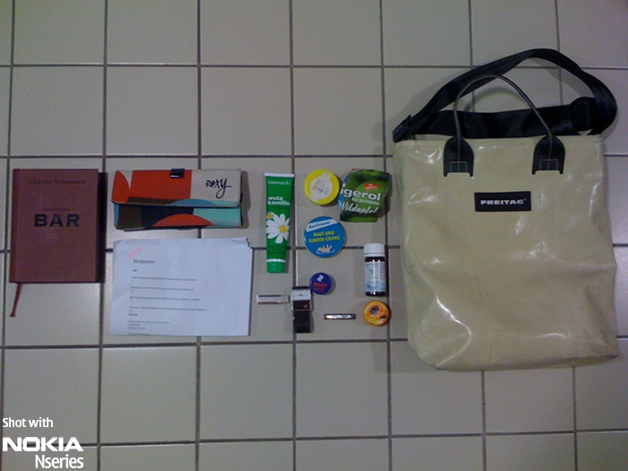 Whats in your bag, Raphaela Höß?