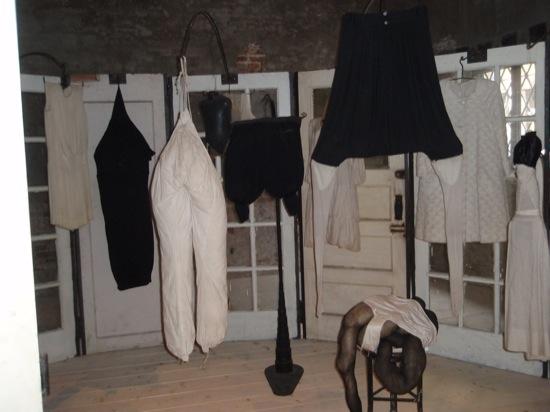 Image 10 Louise Bourgeois 550 Veredelt von Prada  – Ca' Corner della Regina