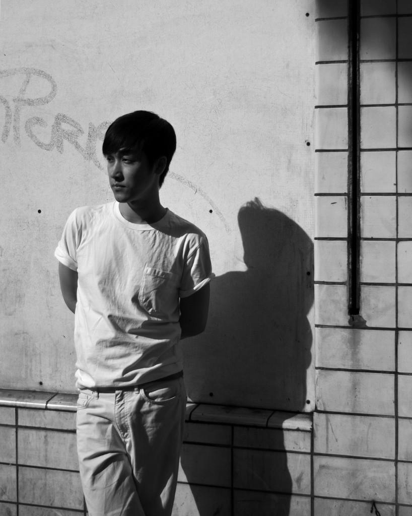 hien bw 01 818x1024 Short Shots 2.0: Hien Le, Modedesigner