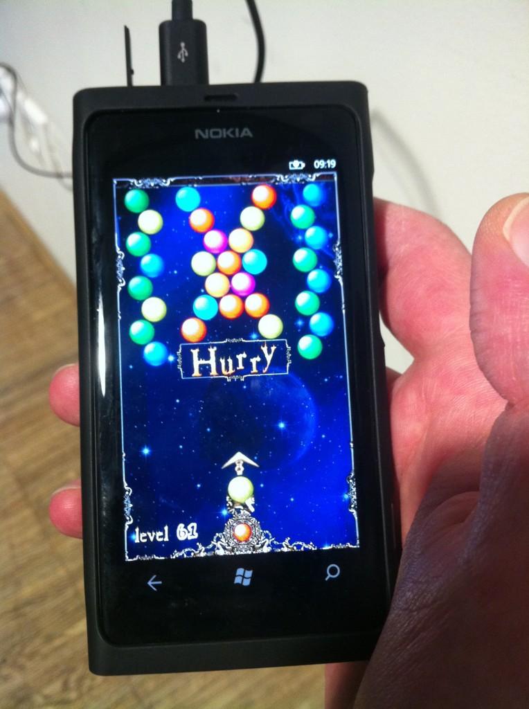 IMG 2688 764x1024 Alles ist erleuchtet   das Lumia 800