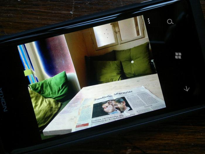 25012012209 Mit dem Nokia Lumia 800 durch Schrift und Bild