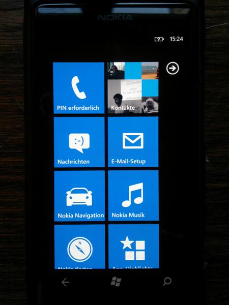 25012012214 Mit dem Nokia Lumia 800 durch Schrift und Bild