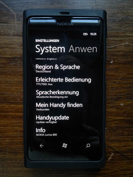 25012012216 Mit dem Nokia Lumia 800 durch Schrift und Bild