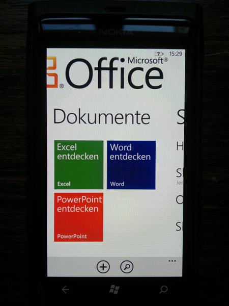 25012012217 Mit dem Nokia Lumia 800 durch Schrift und Bild