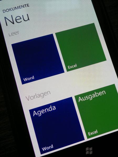 25012012219 Mit dem Nokia Lumia 800 durch Schrift und Bild