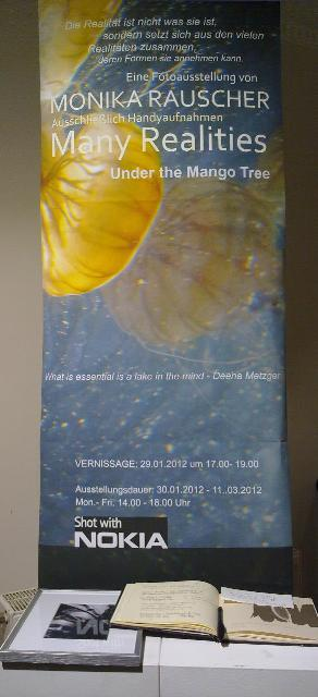 roll up banner Zwischen den Welten | Photography by Monika Rauscher